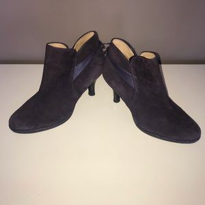 Sofft plum purple suede leather heeled booties
